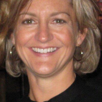 Betsy Simons   Social Profile