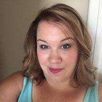 Amanda R | Social Profile