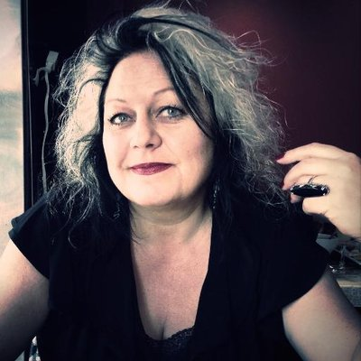 Elke Nominikat | Social Profile