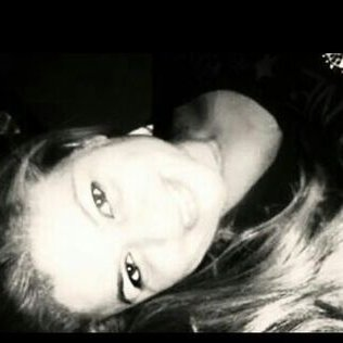 Helena Viera | Social Profile