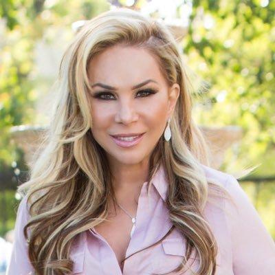 Adrienne Maloof | Social Profile