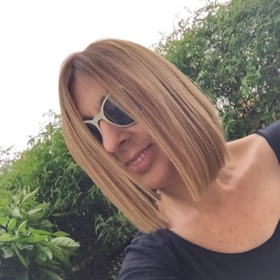 Monica Touron | Social Profile