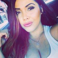 Lissette | Social Profile