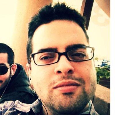 Roberto Flores | Social Profile