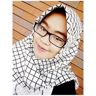 Nurrahmi Desniar | Social Profile