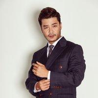 hwang manik | Social Profile