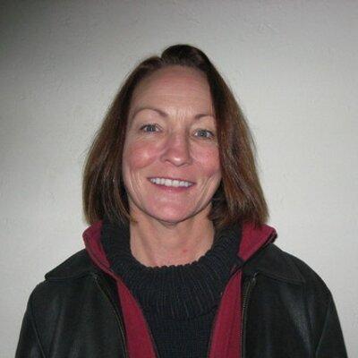 Laura Crest | Social Profile