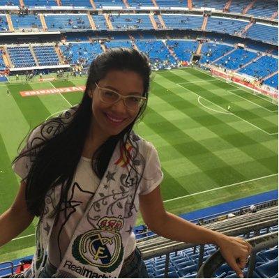 Adriana Paola Qc. | Social Profile