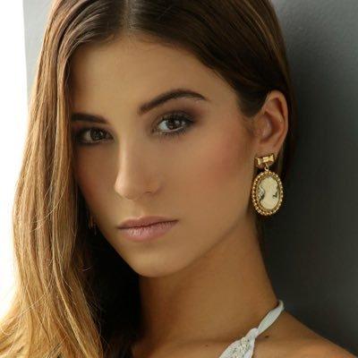 maria lazo | Social Profile
