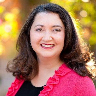 Sara Hawkins | Social Profile