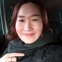 투덜이 영미 | Social Profile