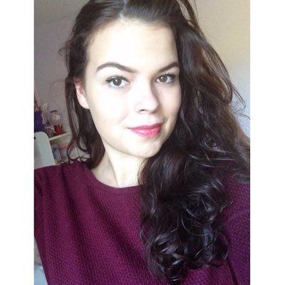 Demi | Social Profile