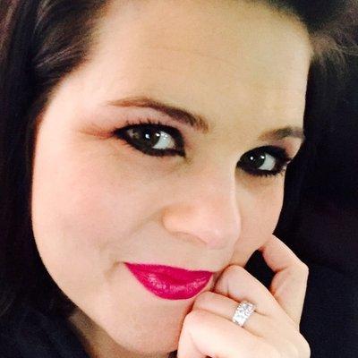 Paula-Beth | Social Profile