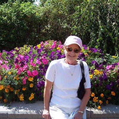 Linda H | Social Profile