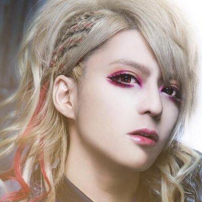 コウ/少年記   Social Profile