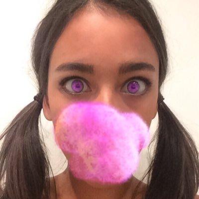 Alizé Lim | Social Profile