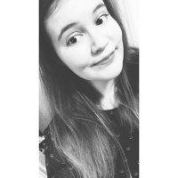 chloe ❁ | Social Profile