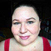 catie anchev | Social Profile
