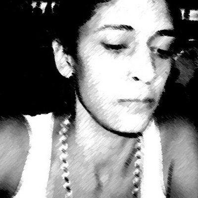 Renata Rezende   Social Profile