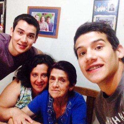 familia los amo ❤️❤️ | Social Profile