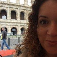 Vanessa Siliezar | Social Profile