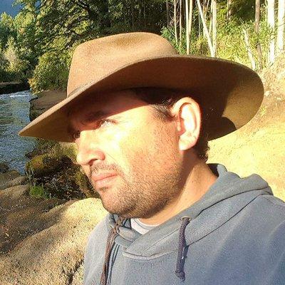 Carlos Cerda Latorre   Social Profile