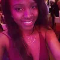 Nadia | Social Profile