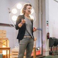 Eva Castells | Social Profile