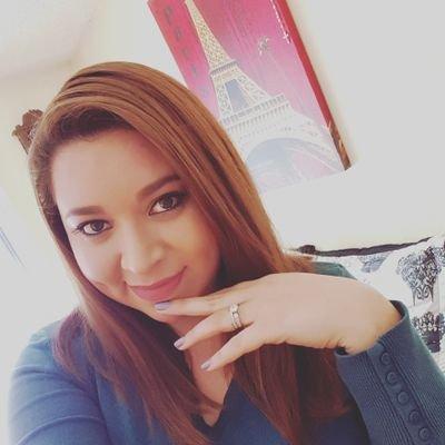 Evelyn | Social Profile
