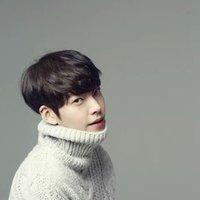 김우빈_b | Social Profile