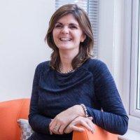 Lynsey Sweales | Social Profile
