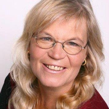 Julia Woodman   Social Profile