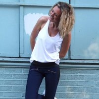 ELLE HANKINSON | Social Profile