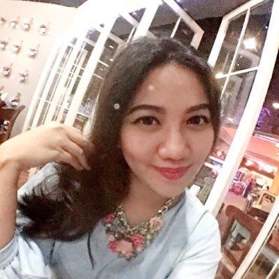 Gita Suhardi | Social Profile