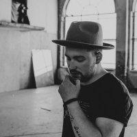 Nathan Holliday | Social Profile