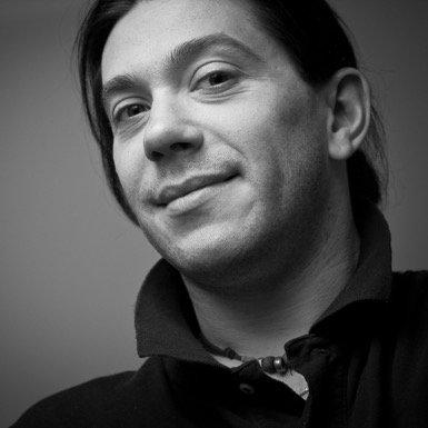 Simon Auchterlonie | Social Profile