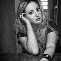 Leigh Bardughost  | Social Profile