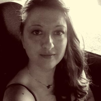 céline b | Social Profile