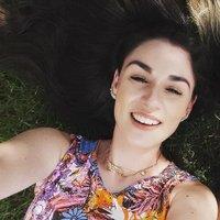 Ariadne Carvalho | Social Profile