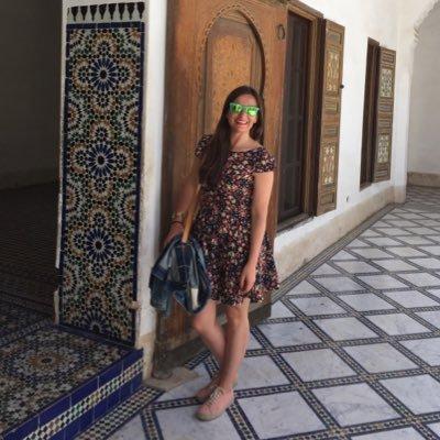 Lola | Social Profile