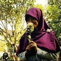 Putri Hana N | Social Profile