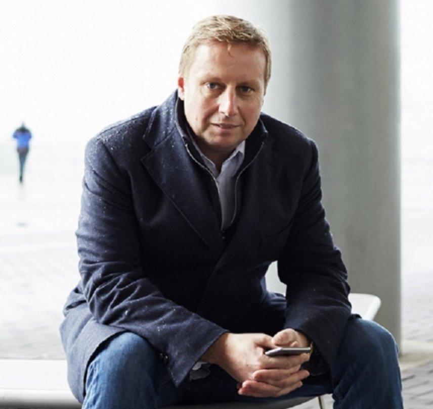 Marc van der Chijs Social Profile