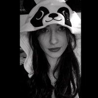 Kira Cahill | Social Profile