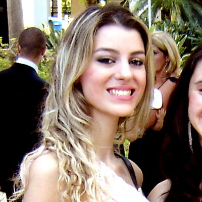 Bruna Zakharia Hoch   Social Profile