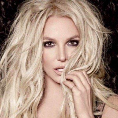 nadia najla's Twitter Profile Picture