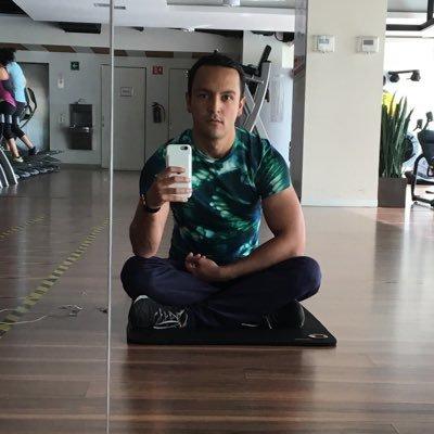 Adrian Velis | Social Profile