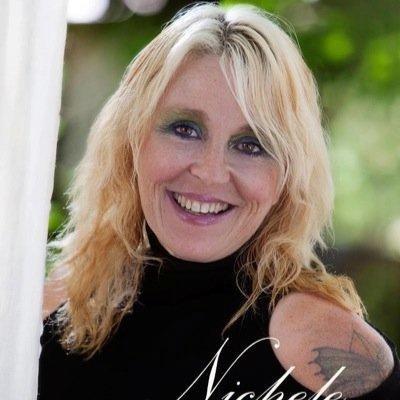 Carole  Arsenault | Social Profile