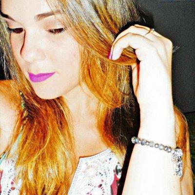 Janaynna Cabral | Social Profile