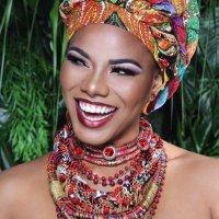 Denisse Angulo G.   Social Profile