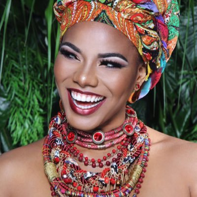 Denisse Angulo G. | Social Profile
